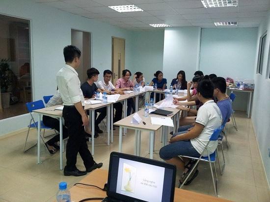 53a24c4ad72d8 10397837 413428528796145 8996782645479563332 n Chương trình đào tạo Kỹ năng Giao tiếp và Thuyết trình tại Hà Nội