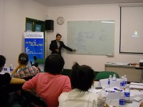 Đào Tạo Kỹ Năng Chăm Sóc Khách Hàng Cho Vilube Corp