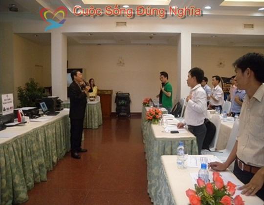 ky nang dien gia tran dinh tuan may tinh hp 6 Đào Tạo Kỹ Năng Cho Nhân Viên Công Ty HP Việt Nam