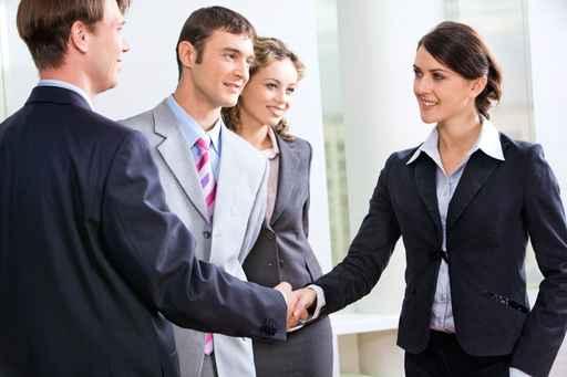 Để giao tiếp nơi công sở thành công hơn