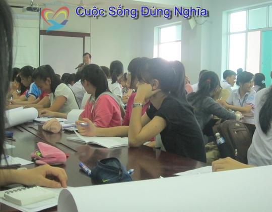 IMG 4201 Đào Tạo Kỹ Năng Giao Tiếp Cho Sinh Viên ĐH Kinh Tế Luật