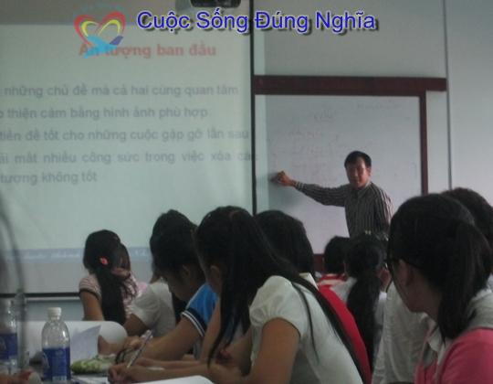 IMG 4218 Đào Tạo Kỹ Năng Giao Tiếp Cho Sinh Viên ĐH Kinh Tế Luật
