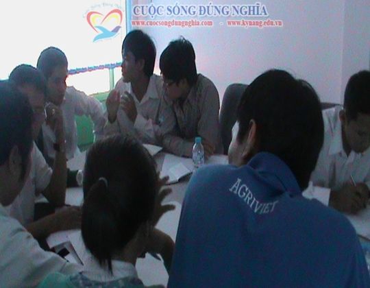 cuoc-song-dung-nghia-dao-tao-agrivie