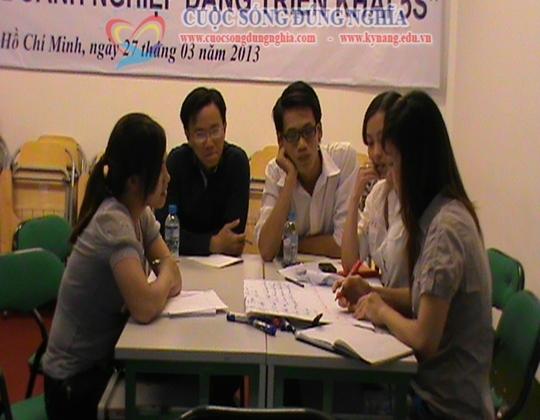cuoc song dung nghia dao tao ky nang giao tiep 3 Đào tạo Kỹ năng giao tiếp hiệu quả ngày 24/03/2013