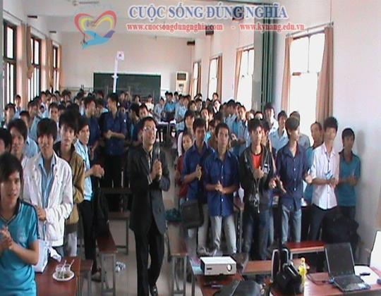ky nang lam viec nhom cuoc song dung nghia 1 Đào tạo Kỹ năng làm việc nhóm cho CĐ công nghệ kỹ thuật Tp.HCM