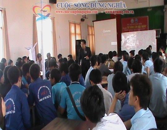 ky nang lam viec nhom cuoc song dung nghia 11 Đào tạo Kỹ năng làm việc nhóm cho CĐ công nghệ kỹ thuật Tp.HCM