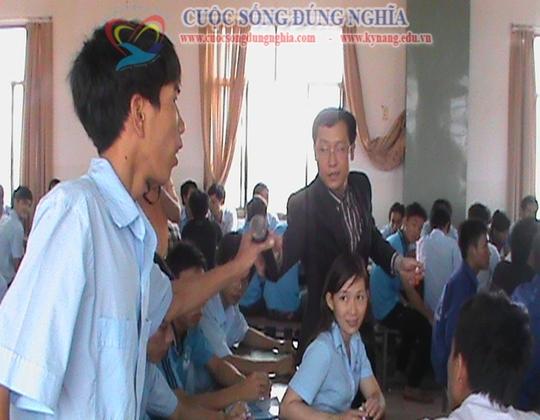 ky nang lam viec nhom cuoc song dung nghia 12 Đào tạo Kỹ năng làm việc nhóm cho CĐ công nghệ kỹ thuật Tp.HCM
