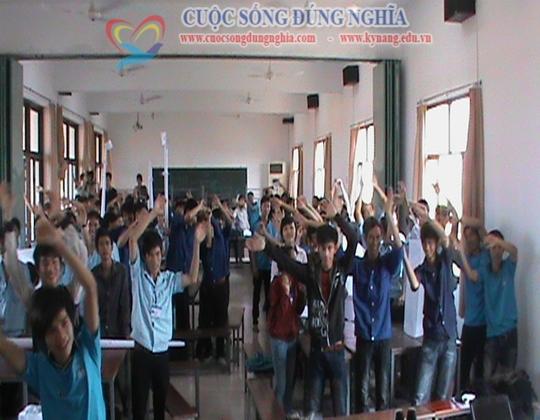 ky nang lam viec nhom cuoc song dung nghia 8 Đào tạo Kỹ năng làm việc nhóm cho CĐ công nghệ kỹ thuật Tp.HCM