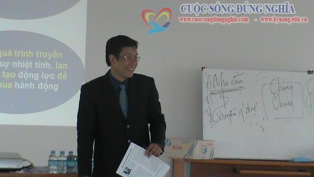 dao tao ky nang ban hang sacombank 10 Đào tạo Kỹ năng bán hàng cho Sacombank Chi nhánh Lào