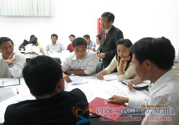IMG 0933 Đào Tạo Kỹ Năng Phục Vụ Khách Hàng Cho Toyota Tân Cảng