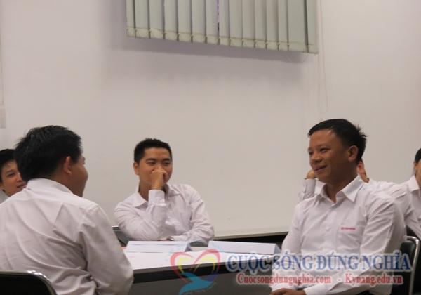 ky nang ban hang chuyen nghiep toyota 3 Đào Tạo Kỹ Năng Bán Hàng Chuyên Nghiệp Cho Toyota lần 2