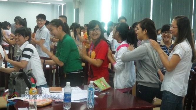 IMG 6081 Đào tạo Kỹ năng làm việc nhóm và Kỹ năng thuyết trình cho sinh viên Trường Đại Học Kinh Tế Luật