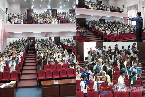 dao tao1 Đào tạo kỹ năng hội nhập môi trường doanh nghiệp tại trường đại học Kinh Tế Luật