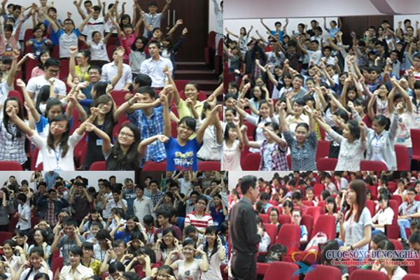 dao tao4  Đào tạo kỹ năng nói chuyện trước công chúng tại trường đại học Kinh Tế Luật
