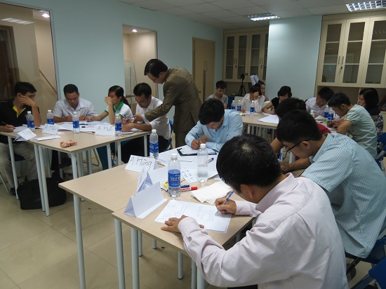 """Đào tạo """"Kỹ năng Bán hàng và chăm sóc khách hàng"""" cho các học viên tại Hà Nội"""