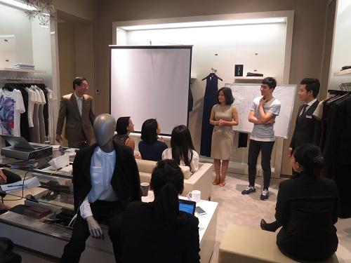 IMG 0118 Khóa học kỹ năng giao tiếp và thuyết trình thuyết phục
