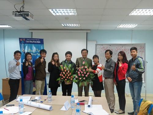 Kèm cặp Lớp Kỹ năng Bán hàng và Chăm sóc khách hàng tại Hà Nội