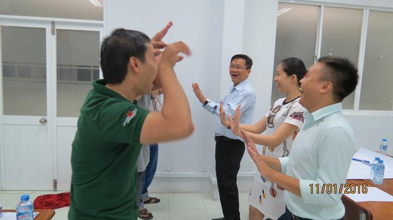 IMG 3463 Đào tạo Kỹ Năng Giao Tiếp Và Thuyết Trình Hiệu Quả cho học viên TP.HCM  tháng 01/2016