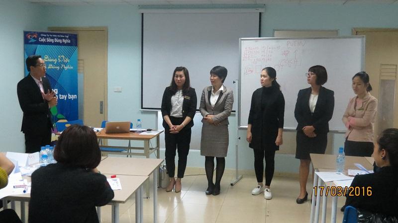 dao tao phuc vu khach hang cho junhee 10 Thẩm mỹ Junhee nâng cao kỹ năng tiếp cận khách hàng