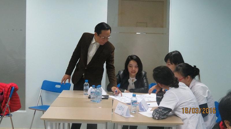 dao tao phuc vu khach hang cho junhee 4 Thẩm mỹ Junhee nâng cao kỹ năng tiếp cận khách hàng