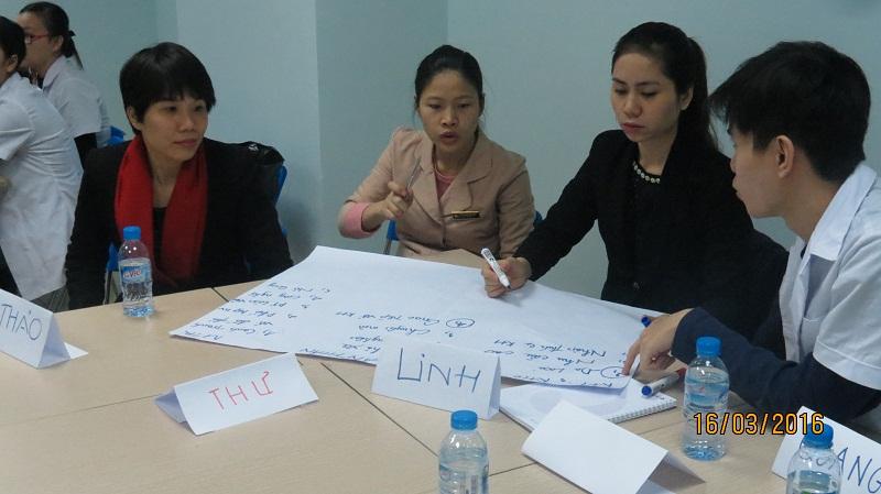 dao tao phuc vu khach hang cho junhee 5 Thẩm mỹ Junhee nâng cao kỹ năng tiếp cận khách hàng