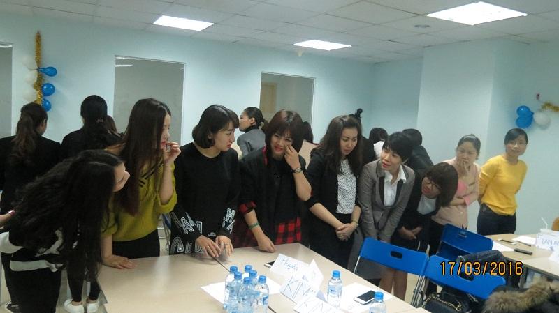 dao tao phuc vu khach hang cho junhee 9 Thẩm mỹ Junhee nâng cao kỹ năng tiếp cận khách hàng