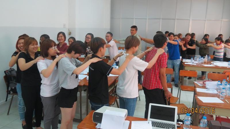 dao tao ban hang cong ty an nam 11 Đào Tạo Kỹ năng bán hàng và chăm sóc khách hàng chuyên nghiệp Cho Công Ty Hồng An và Mỹ Phẩm Hàn Quốc