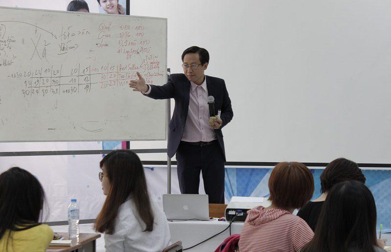 dao tao ban hang cho cocmesty 10 800x516 Đào Tạo Bán Hàng Cho Công Ty Nuty Cosmetics