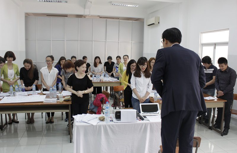 dao tao ban hang cho cocmesty 11 800x516 Đào Tạo Bán Hàng Cho Công Ty Nuty Cosmetics