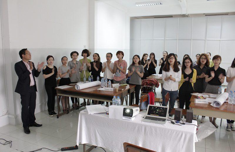 dao tao ban hang cho cocmesty 3 800x516 Đào Tạo Bán Hàng Cho Công Ty Nuty Cosmetics