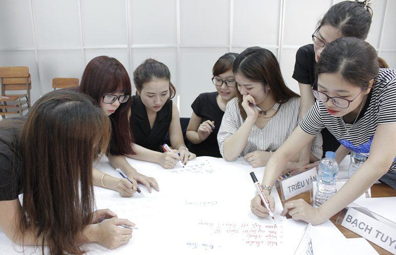dao tao ban hang cho cocmesty 4 800x516 Đào Tạo Bán Hàng Cho Công Ty Nuty Cosmetics
