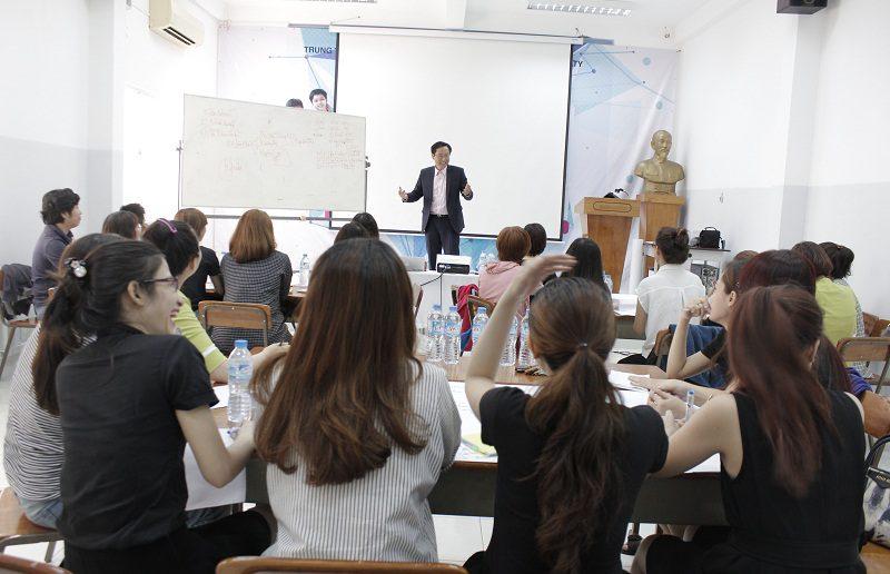 dao tao ban hang cho cocmesty 6 800x516 Đào Tạo Bán Hàng Cho Công Ty Nuty Cosmetics