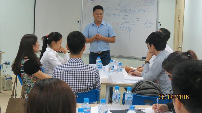 dao tao ky nang giao tiep va trinh bay 25 04 16 tai ha noi 5 Đào tạo Kỹ năng giao tiếp và Trình bày cho học viên Trung tâm Hà Nội