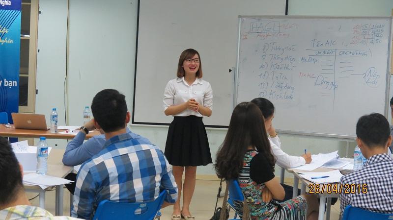 dao tao ky nang giao tiep va trinh bay 25 04 16 tai ha noi 6 Đào tạo Kỹ năng giao tiếp và Trình bày cho học viên Trung tâm Hà Nội