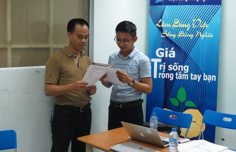 khoa hoc giao tiep ung xu va thuyet trinh ha noi 30 05 15 1 800x516 Khóa học Giao tiếp và Thuyết trình tại Hà Nội ngày 30 05 2016