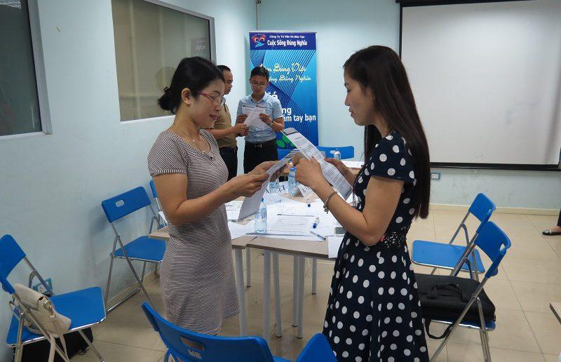 khoa hoc giao tiep ung xu va thuyet trinh ha noi 30 05 15 2 800x516 Khóa học Giao tiếp và Thuyết trình tại Hà Nội ngày 30 05 2016