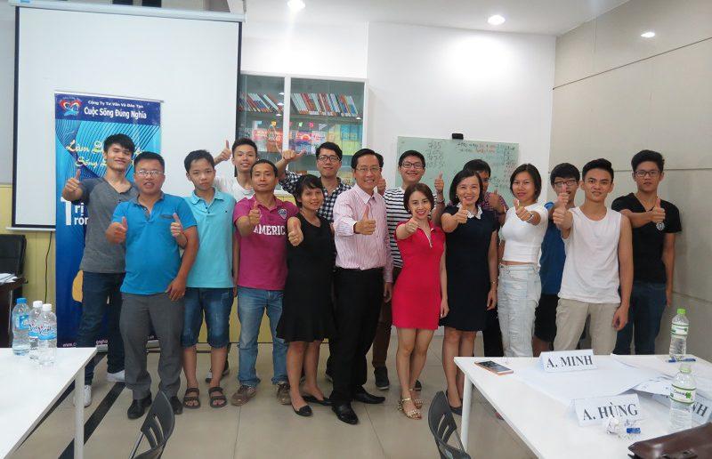 dao tao ky nang giao tiep va ban hang ha noi 25 06 2016 22 800x516 Đào Tạo Public Kỹ năng giao tiếp và Thuyết trình tại Hà Nội khóa 25 06 2016