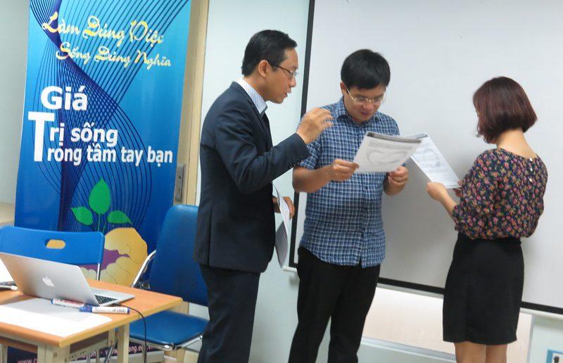 dao tao ky nang giao tiep va ban hang ha noi 25 06 2016 5 800x516 Đào Tạo Public Kỹ năng giao tiếp và Thuyết trình tại Hà Nội khóa 25 06 2016