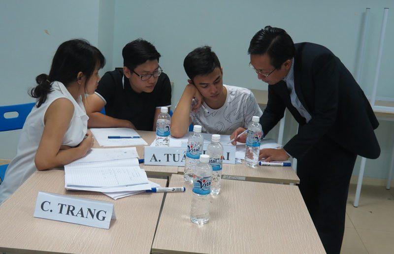 dao tao ky nang giao tiep va ban hang ha noi 25 06 2016 8 800x516 Đào Tạo Public Kỹ năng giao tiếp và Thuyết trình tại Hà Nội khóa 25 06 2016