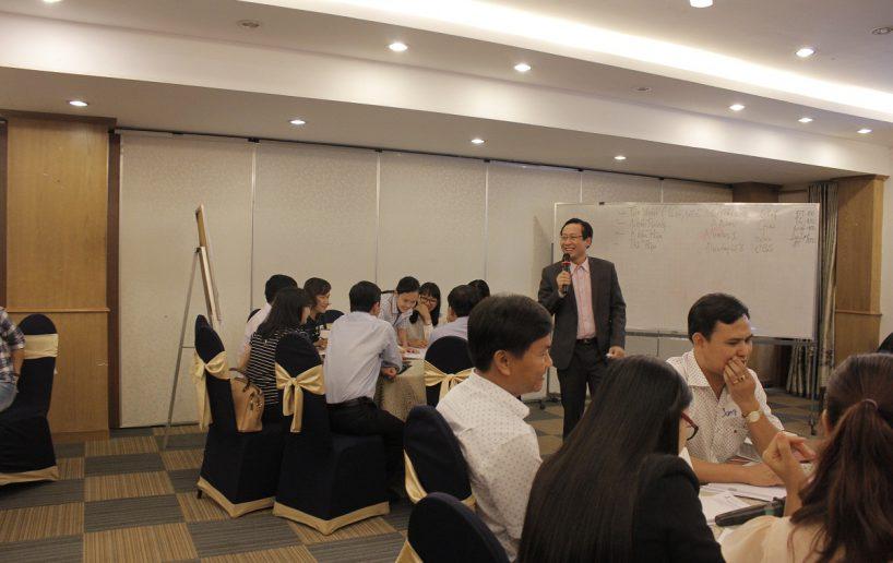 hin anh bidv giang vien 1 818x516 Đào tạo cho BIDV Hồ Chí Minh: Kỹ năng truyền lửa và tạo động lực cho nhân viên