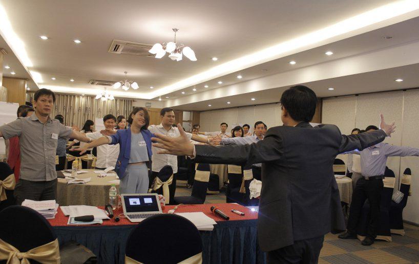 hin anh bidv hoat nao 1 818x516 Đào tạo cho BIDV Hồ Chí Minh: Kỹ năng truyền lửa và tạo động lực cho nhân viên