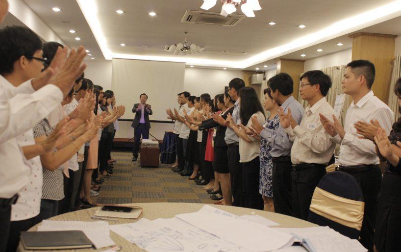 hin anh bidv hoat nao 4 818x516 Đào tạo cho BIDV Hồ Chí Minh: Kỹ năng truyền lửa và tạo động lực cho nhân viên