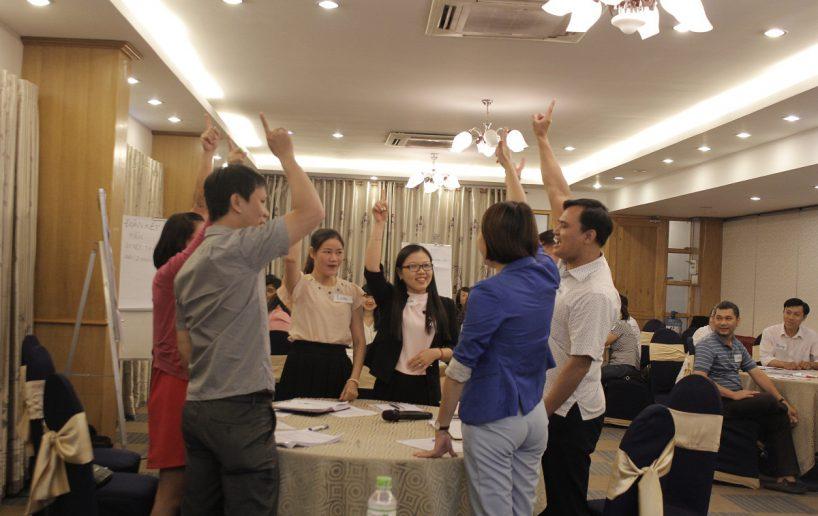 hinh anh bidv lam viec nhom 3 818x516 Đào tạo cho BIDV Hồ Chí Minh: Kỹ năng truyền lửa và tạo động lực cho nhân viên