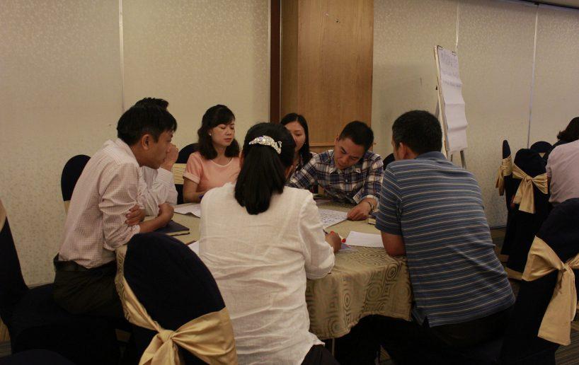 hinh anh bidv lam viec nhom 5 818x516 Đào tạo cho BIDV Hồ Chí Minh: Kỹ năng truyền lửa và tạo động lực cho nhân viên