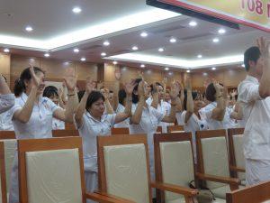 DAO TAO GIAO TIEP UNG XU BENH VIEN 108 lan 71 300x225 Chương trình đào tạo Kỹ Năng Giao Tiếp Và Xử Lý Tình Huống lần thứ 7 cho Bệnh Viên Trung Ương Quân Đội 108