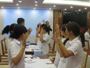DAO TAO GIAO TIEP UNG XU BENH VIEN 108 lan 74 300x225 Chương trình đào tạo Kỹ Năng Giao Tiếp Và Xử Lý Tình Huống lần thứ 7 cho Bệnh Viên Trung Ương Quân Đội 108