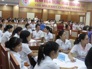 DAO TAO GIAO TIEP UNG XU BENH VIEN 1081 300x225 Chương trình đào tạo Kỹ Năng Giao Tiếp Và Xử Lý Tình Huống lần thứ 5 cho Bệnh Viên Trung Ương Quân Đội 108