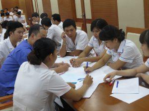 DAO TAO GIAO TIEP UNG XU BENH VIEN 1082 300x225 Chương trình đào tạo Kỹ Năng Giao Tiếp Và Xử Lý Tình Huống lần thứ 5 cho Bệnh Viên Trung Ương Quân Đội 108