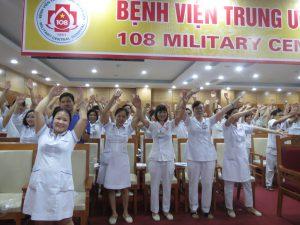 DAO TAO GIAO TIEP UNG XU BENH VIEN 1084 300x225 Chương trình đào tạo Kỹ Năng Giao Tiếp Và Xử Lý Tình Huống lần thứ 5 cho Bệnh Viên Trung Ương Quân Đội 108