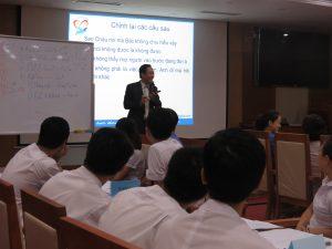 DAO TAO GIAO TIEP UNG XU BENH VIEN 1086 300x225 Chương trình đào tạo Kỹ Năng Giao Tiếp Và Xử Lý Tình Huống lần thứ 5 cho Bệnh Viên Trung Ương Quân Đội 108